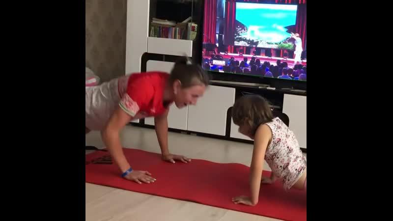 Динара Алимбекова тренируется с сестрой апрель 2020