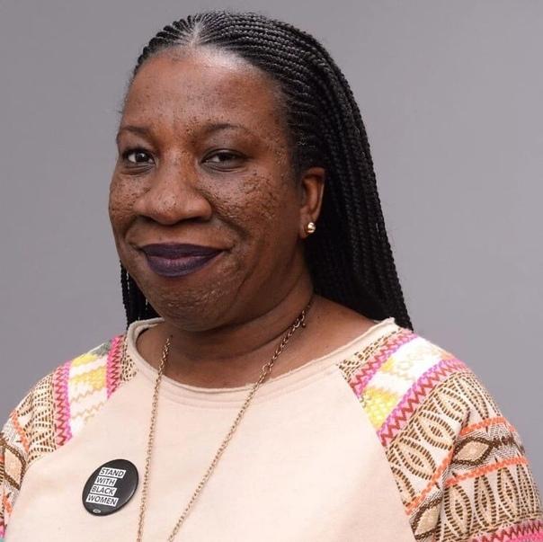 Американская активистка Тарана Бёрк создала движение под названием «me too», которое выступает против сексуальных домогательств Благодаря этому, десятки тысяч женщин смогли поделиться своими