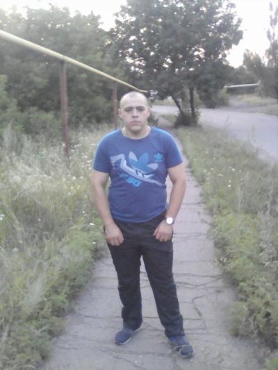 Николай, 25, Krasnyy Luch