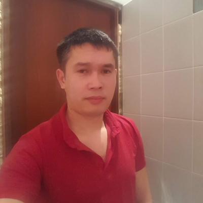 Mahmudzhon, 33, Magistral'nyy