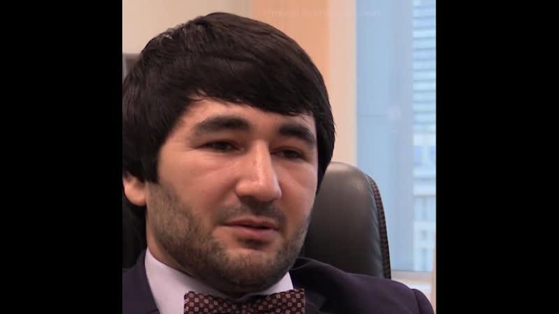 Адвокат-меценат за свои деньги защищает детей жертв насилия