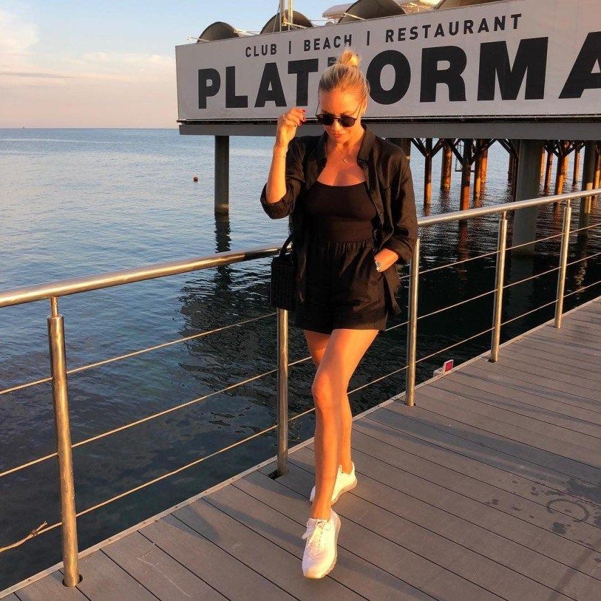 Елена Летучая: «Мои подруги называют меня ведьмой»  Потому что незаконно так выглядеть в 41
